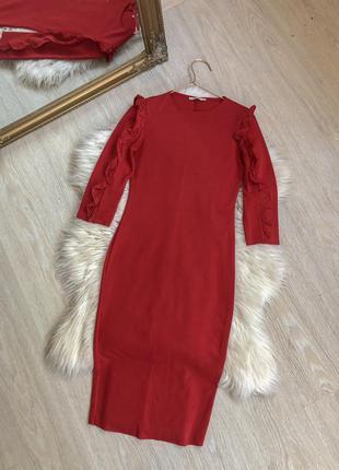 Стильное базовое красное платье миди zara