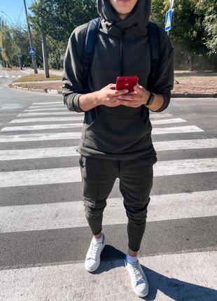 Спортивный костюм серый