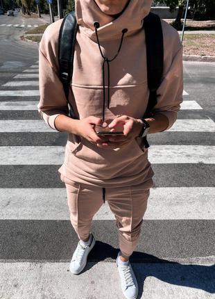 Спортивный костюм бежевый