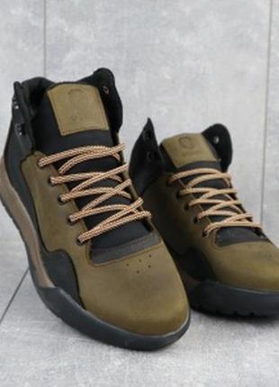 Мужские зимние кроссовки из натуральной кожи crossav 318