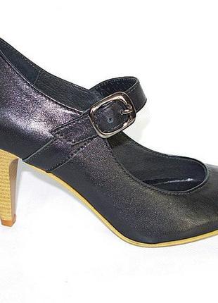 Кожаные туфли черные с застежкой на каблуке натуральная кожа