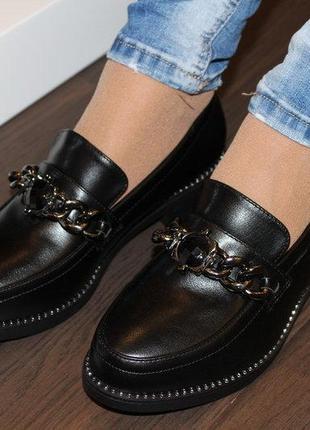 Туфли женские черные с цепочкой с камнями низкий каблук 36-41р