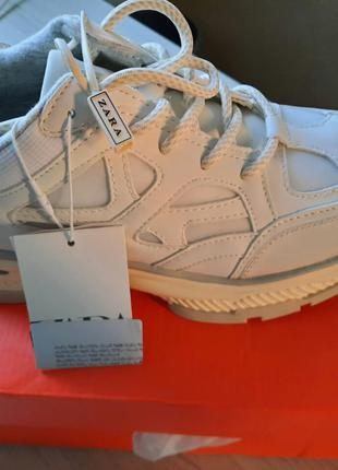 Белые кроссовки  от ZARA 39-40