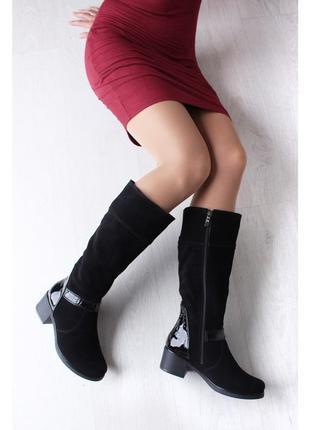 Замшевые зимние черные сапоги с лаковыми вставками низкий кабл...