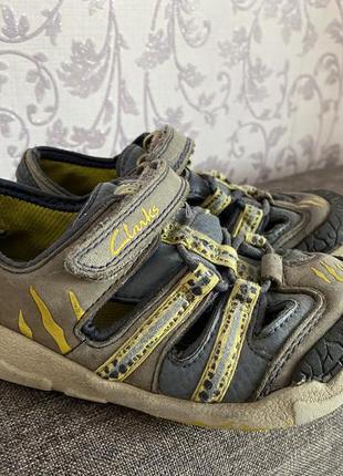 Туфли - закрытые босоножки clarks