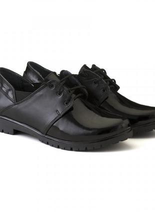 Черные кожаные лаковые туфли на шнурках низкий каблук натураль...