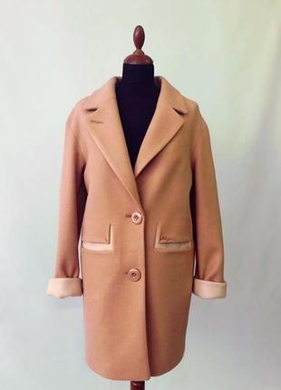 Стильное демисезонное кашемировое пальто кэмел