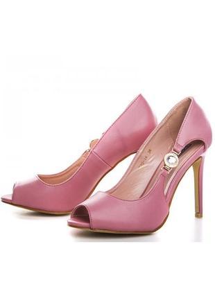 Шикарные летние открытые туфли босоножки на каблуке красные, р...