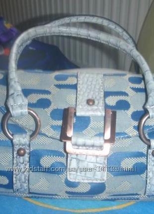 Маленкая сумочка guess