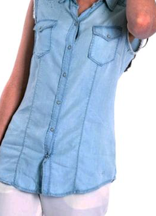 Продам джинсовую без рукавку