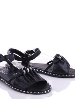 Стильные черные блестящие босоножки с камнями низкий каблук