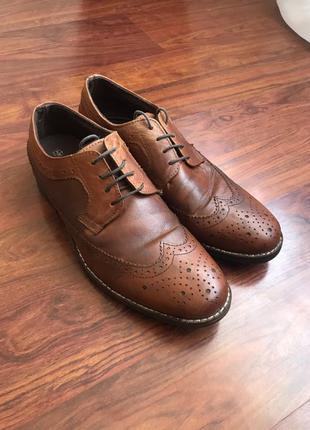 Мужские туфли, броги, оксфорды