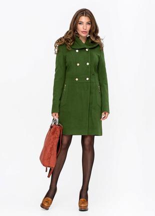 Скидка! зеленое демисезонное кашемировое пальто приталенного кроя
