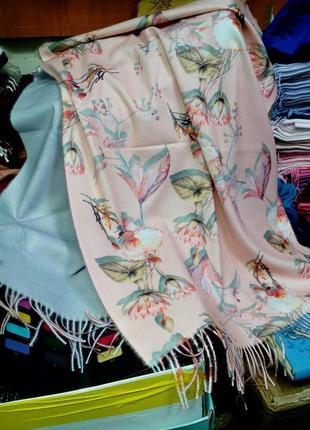 Красивый шарф палантин с цветочным принтом butef