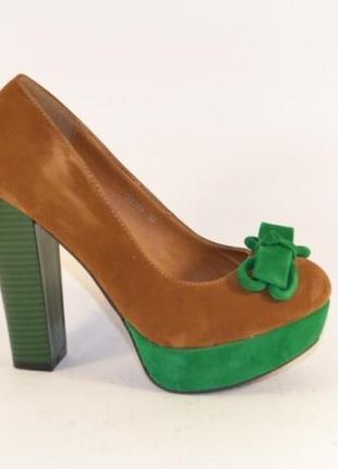 Замшевые туфли на высоком каблуке платформе коричневые зеленые...