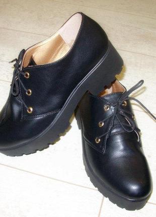 Туфли черные на тракторной подошве эко-кожа