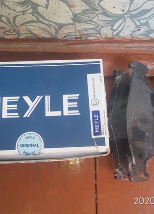 Тормозные колодки Meyle
