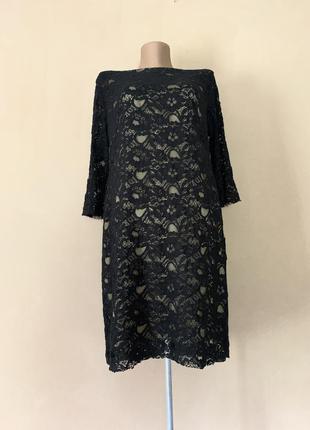 Чёрное платье с гипюром бежевая подкладка с рукавом