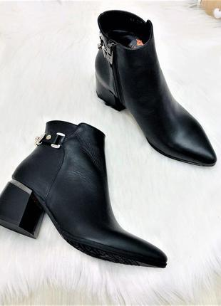 Модная обувь на каблуке кожа