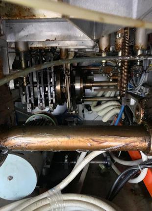 Машина для наполнения алюминиевых туб