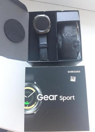 Спортивные смарт часы Samsung Gear Sport Blaсk