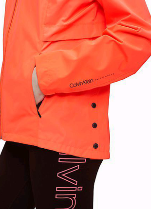 Ветровка Calvin Klein Performance