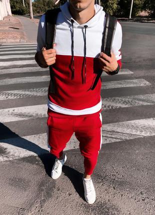 Спортивный костюм красно-белый