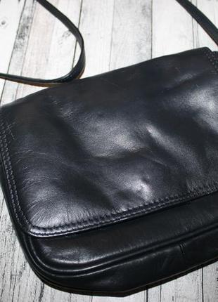 Маленькая кожаная сумка clarks