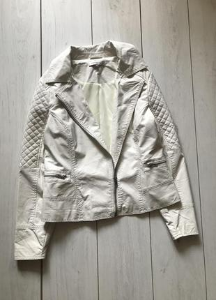 Белая куртка косуха большого размера