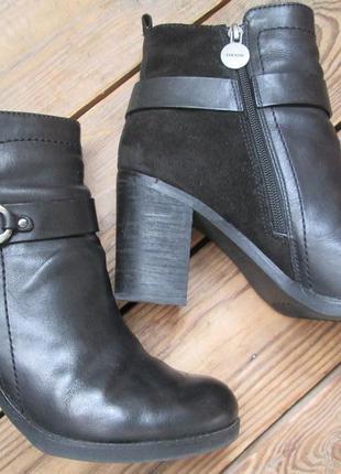 Ботинки geox полуботинки 40 размер ботильоны средний каблук