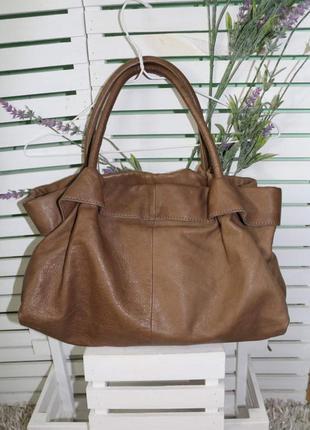 Кожаная коричневая сумка италия