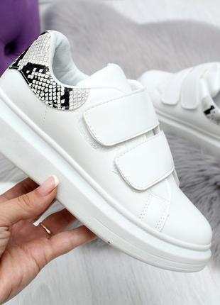 Женские кроссовки белого цвета, эко кожа 2444