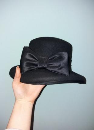 Шляпа с атласным бантом