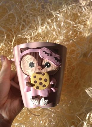 Мила чашка з декором