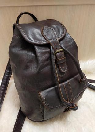 Городской кожаный рюкзак