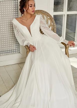 Шифоновое свадебное платье с рукавами в стиле бохо