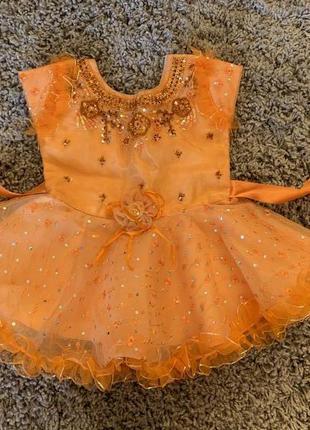 Нарядное платье на малышку 1 год.