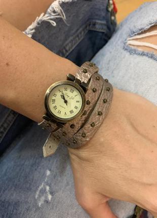 Скидка!!!часы браслет кожа