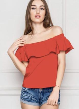 Красивенная майка футболка блуза с открытыми плечиками.