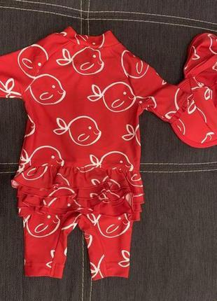 Купальник, купальный костюм на девочку 0-6 мес. с шапочкой