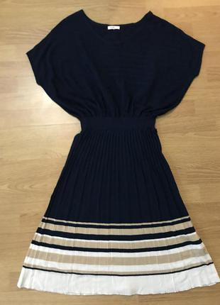 Трендовое трикотажное платье плиссе длины миди от oggi