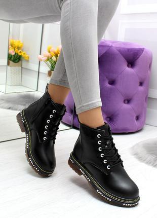 Модные низкие зимние ботинки