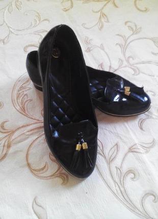 Красивые туфли- лоферы