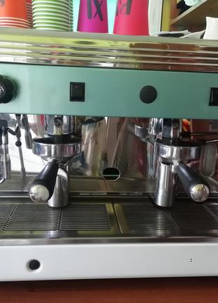 Профессиональная кофемашина Wega