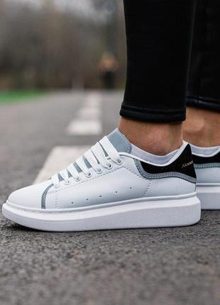 Женские шикарные кроссовки alexander mcqueen  люкс качество