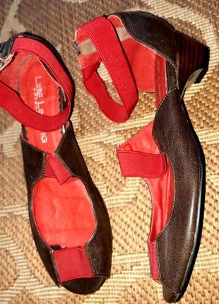 Розпродаж! круті шкіряні босоніжки відомого бренду lise lindvi...