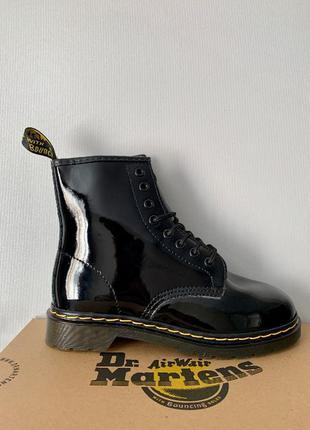 Dr. martens 1460 lacquer ботинки женские мартенси