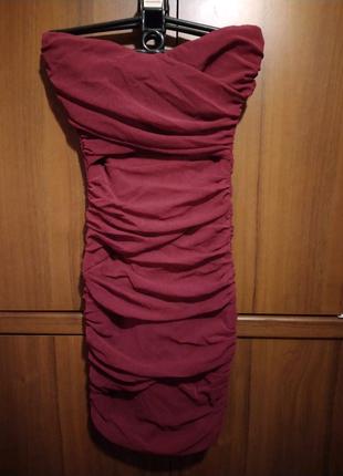Платье бандо без бретель в обтяжку