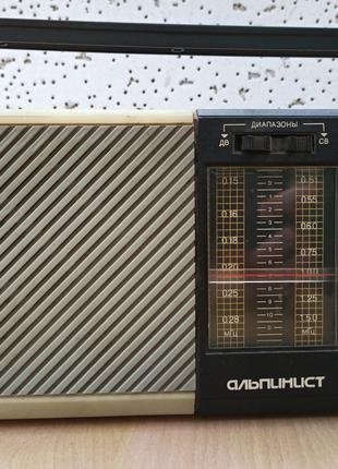 """Радиоприемник """"Альпинист"""" РП 221"""