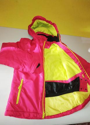 Фирменная зимняя тёплая термокуртка на девочку  8-9 лет crane